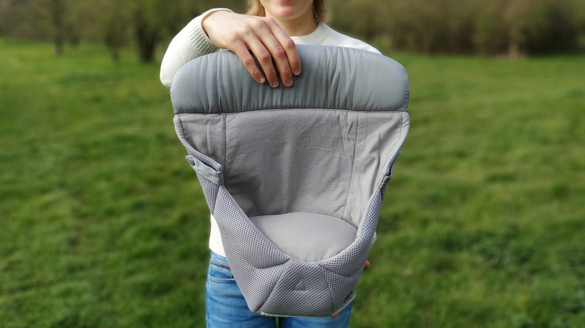 Der separate Neugeborenen-Einsatz für die Ergobaby Trage