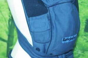 Der Tragesack ist weich und flexibel und sorgt für eine ideale Haltung des Kindes.