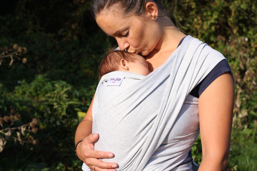 Elastisches Babytragetuch von myla