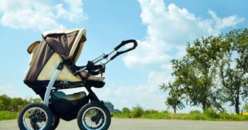 Kinderwagen | © panthermedia.net /bakharev